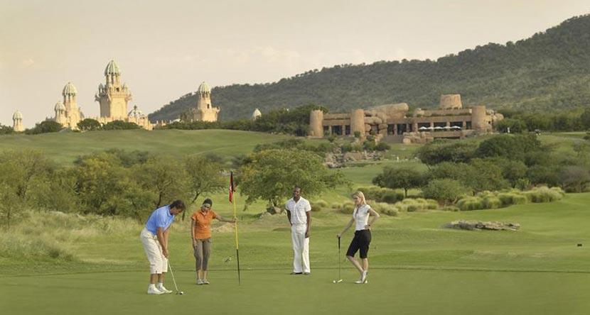1st-hole-with-clubhouse-in-background-Lost-City-Golf-Course.jpg